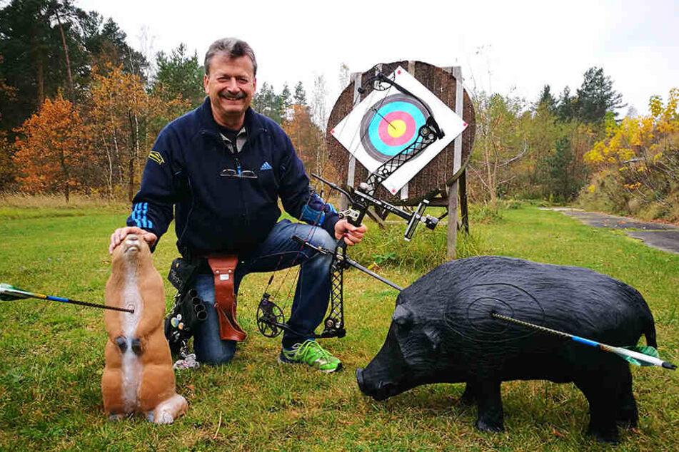 Bogen-Profi lädt zur Jagd auf Plastik-Tiere