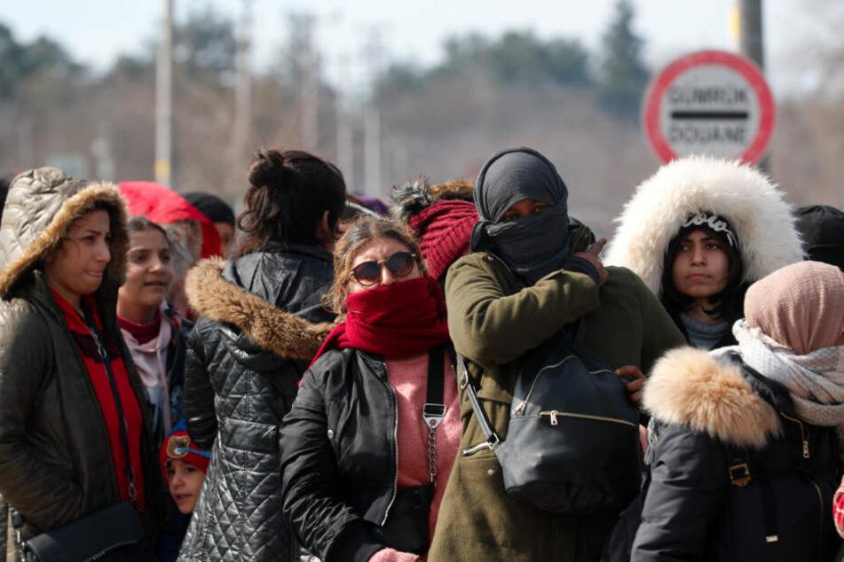 """Neue Flüchtlingswelle: """"Beunruhigende Situation"""" an EU-Außengrenzen"""