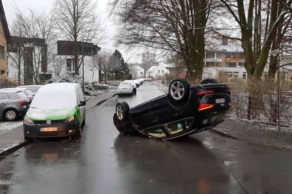 Auch ein weiteres Auto wurde beschädigt.