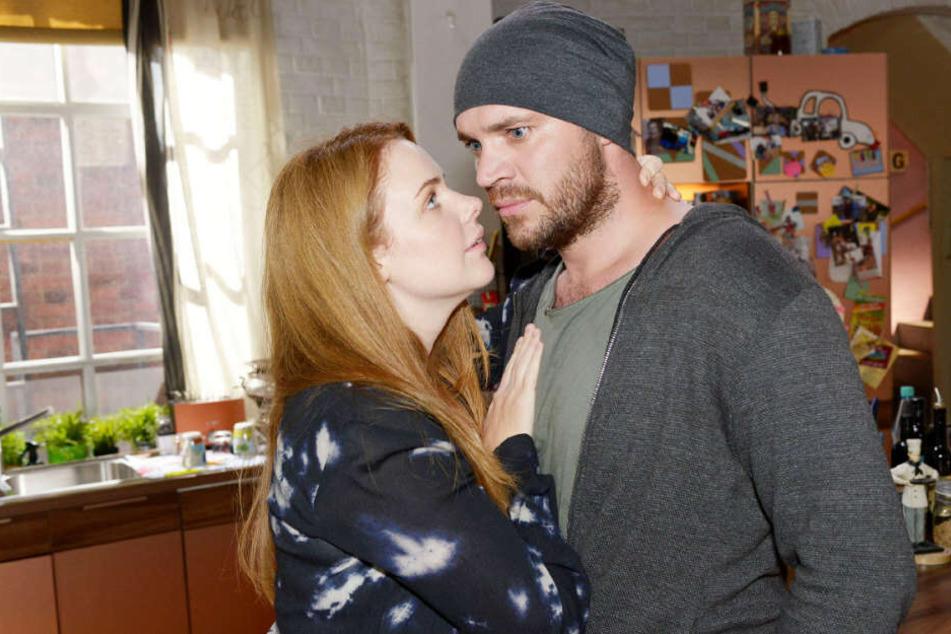 Erik rastet ausgerechnet vor Tonis Mutter Nina aus.