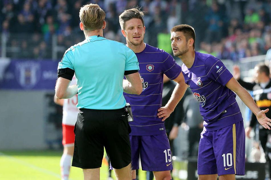 Nach einem Einwurf, der im Gesicht eines Mitspielers landete, sah Dimitrij Nazarov am Sonntag rot.