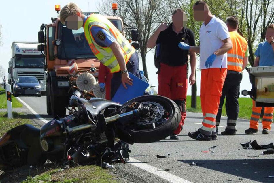 Bei dem schweren Unfall wurde der 23-jährige Motorradfahrer schwer verletzt.