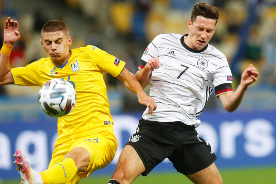 Julian Draxler (r.) war neben Antonio Rüdiger der einzige deutsche Akteur aus dem Türkei-Spiel, der auch gegen die Ukraine von Beginn an auflief.