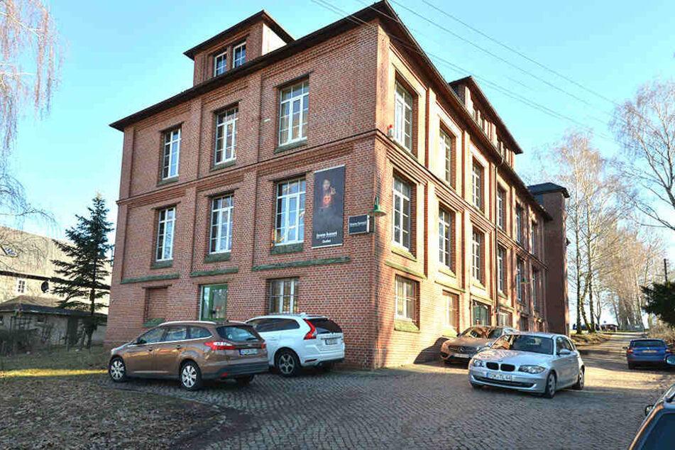 So sieht das Gebäude von außen aus, wo Bruno Banani nun mehr Kundschaft anziehen will.
