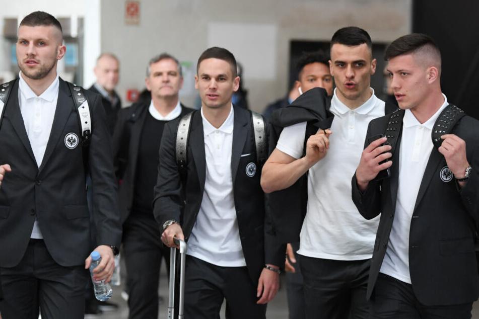 Einheitlich im feinen Zwirn (v.l.n.r.): Ante Rebic, Mijat Gacinovic, Filip Kostic und Luka Jovic.