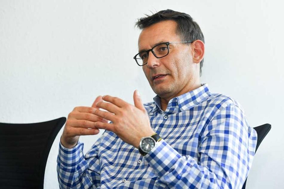 Dynamos Geschäftsführer Michael Born begrüßt das Angebot des DFB.