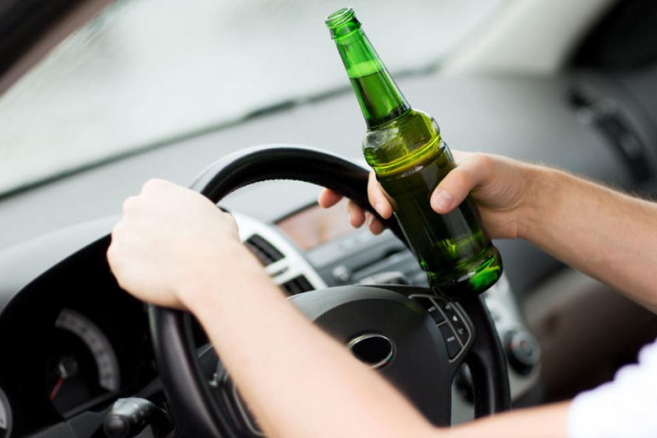 Mit satten 2,62 Promille fuhr ein Mann (58) unsicher über die A14. Eine Frau verfolgte ihn und alarmierte die Polizei.