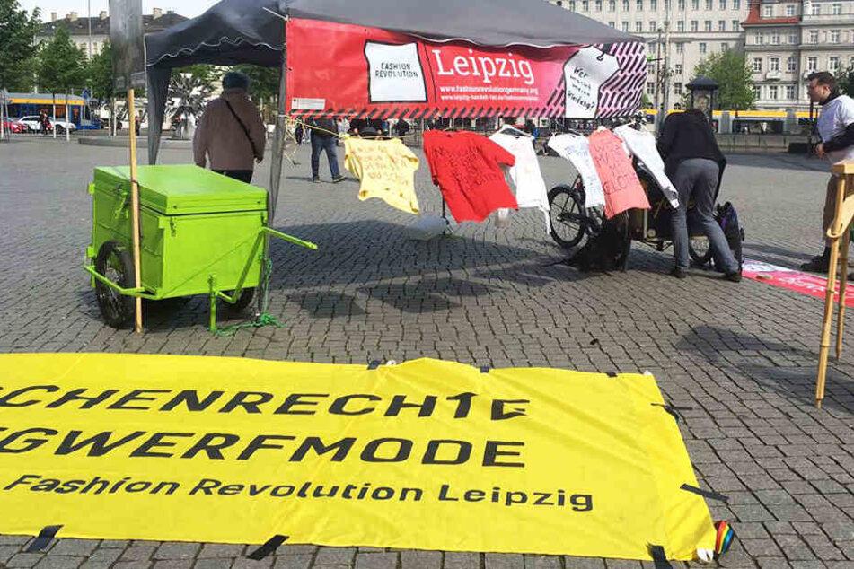 """""""Menschenrechte statt Wegwerfmode"""" - Die Fashion Revolution Week lockt mit über 10 Veranstaltungen zum Thema faire Mode."""