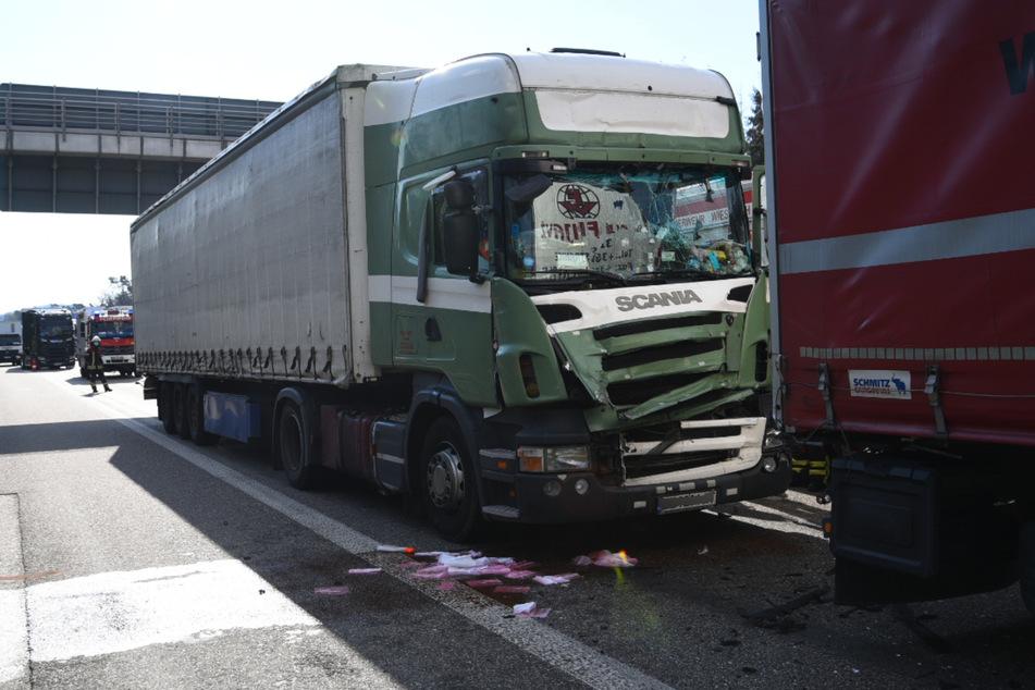Stau nach schwerem Lastwagen-Unfall auf der A6