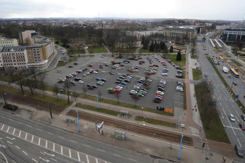 Wenn die Flächen an Johanniskirche und Tietz bebaut werden, fallen etwa 1100  Parkplätze weg.