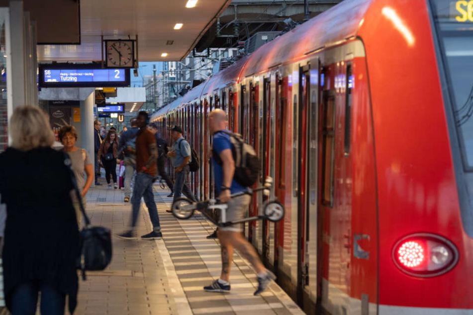 Nirgendwo in Europa gibt es mehr Verkehr auf zwei Gleisen als in München. (Symbolbild)