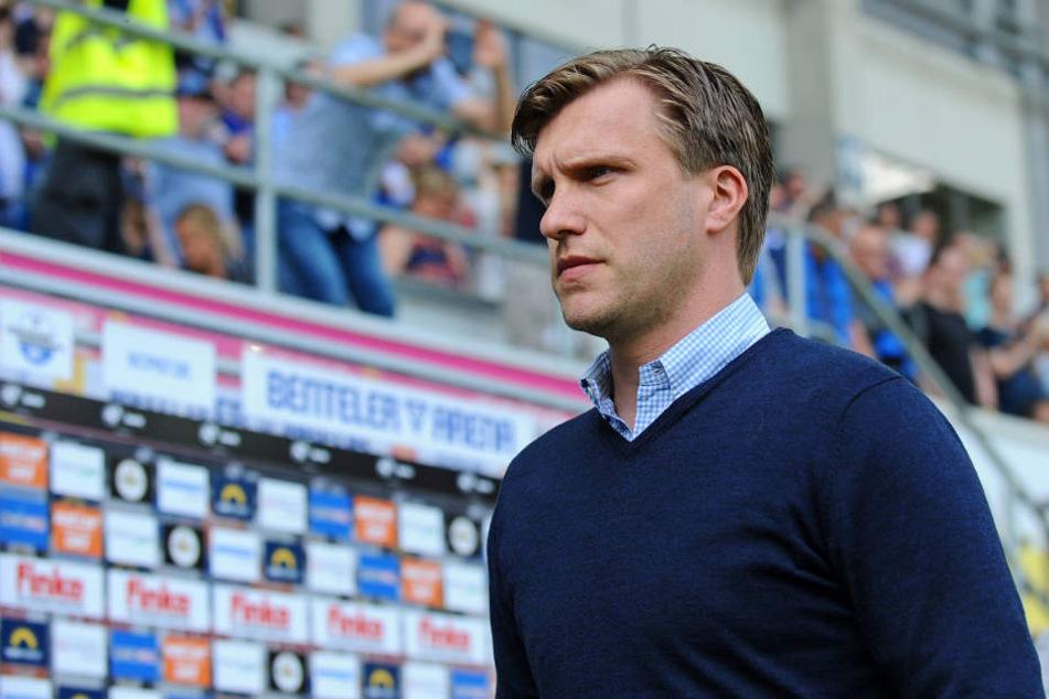 Markus Krösche glaubt an den Verbleib seiner Trainers.