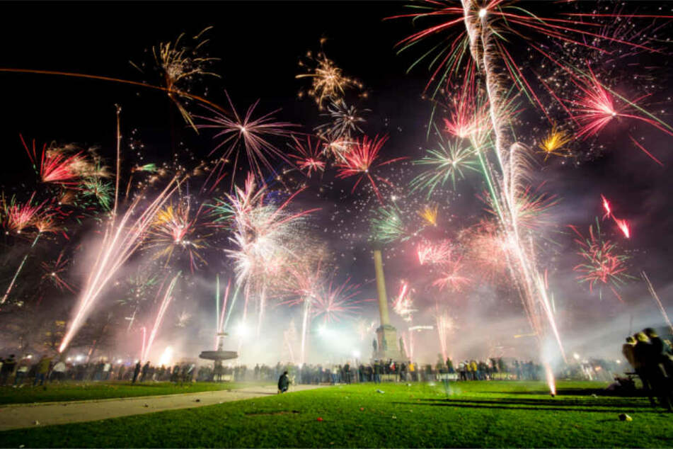 Feuerwerke in Innenstädten (im Bild: Stuttgart) sind der Deutschen Umwelthilfe ein Dorn im Auge.