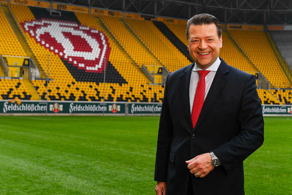 Dynamo-Präsident Holger Scholze wünscht Markus Schubert von Herzen alles Gute.