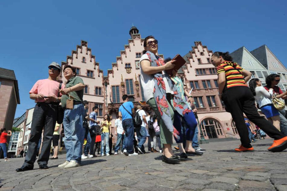 Viele asiatische Touristen machen Stopp in Frankfurt.