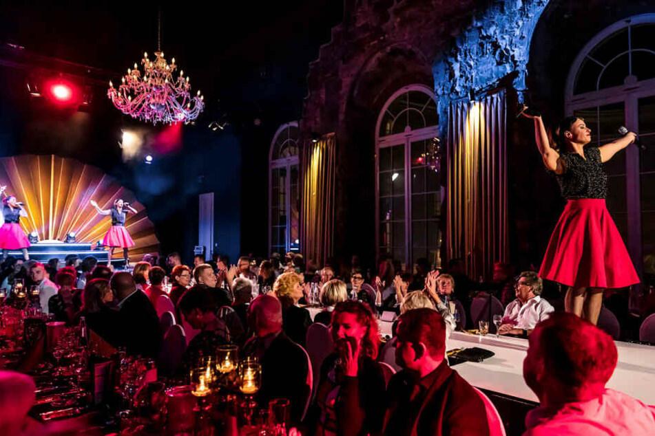 """Die Premiere der Dinner-Show """"Palais Revue"""" findet am 22. November statt."""
