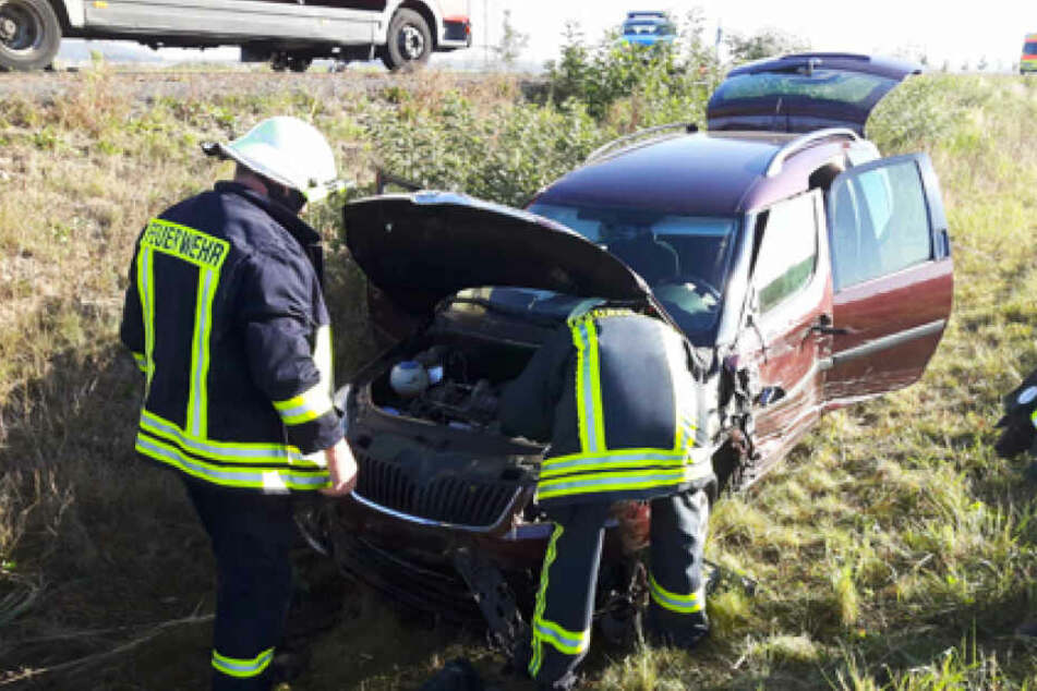 Die Insassen der Autos wurden verletzt und mussten in Krankenhäuser gebracht werden.