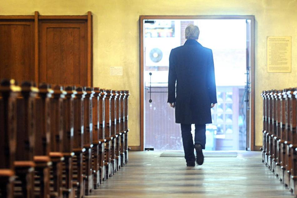 Immer wieder entscheiden sich Mitglieder für den Austritt aus der Kirche. (Symbolbild)