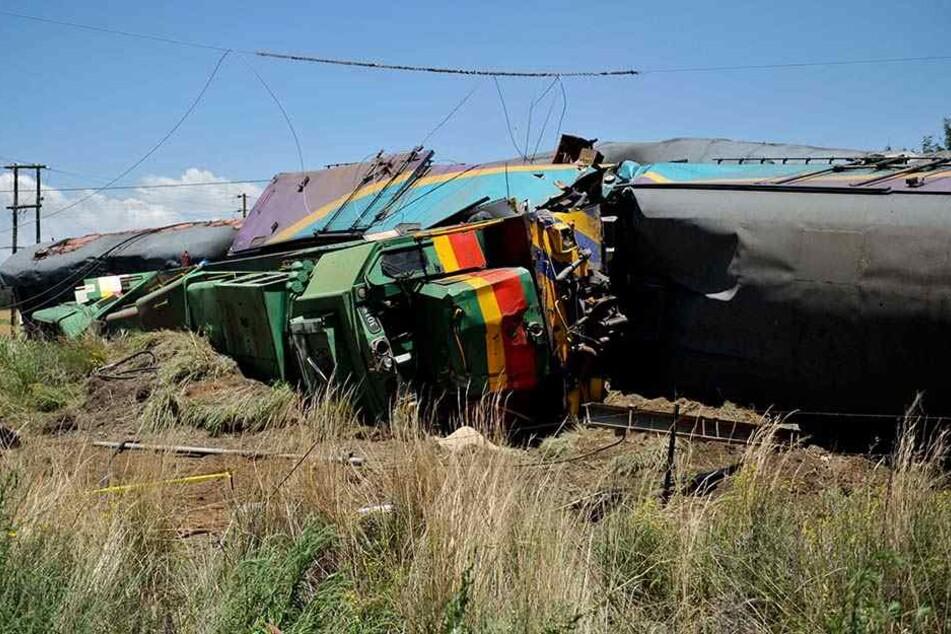 Das schwere Zugunglück ereignete sich auf halber Strecke zwischen den Großstädten Johannesburg und Bloemfontein.