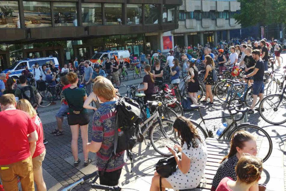 Schon im Juni fuhren hunderte Radler durch Leipzig, um gegen das Fahrradverbot auf dem Innenstadtring zu demonstrieren.