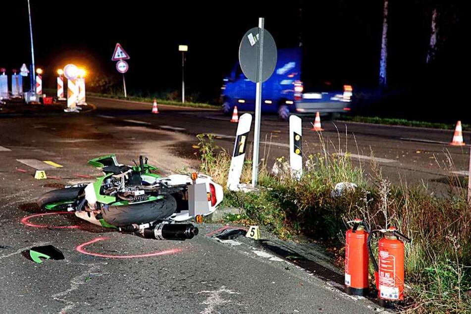 Der Motorradfahrer kam ebenfalls schwer verletzt ins Krankenhaus.