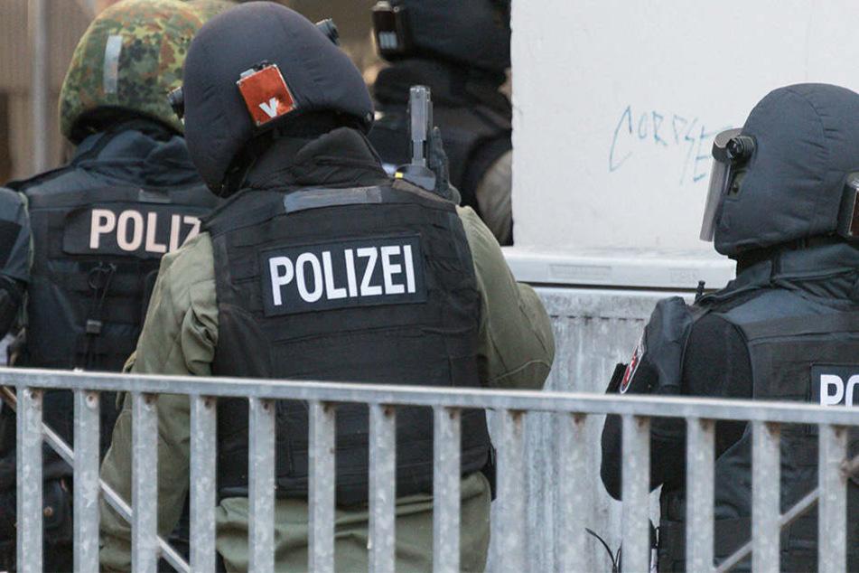 Durch die Präsenz und die Kontrollen der Polizei sollten Auseinandersetzungen zwischen den Clans vermieden werden.