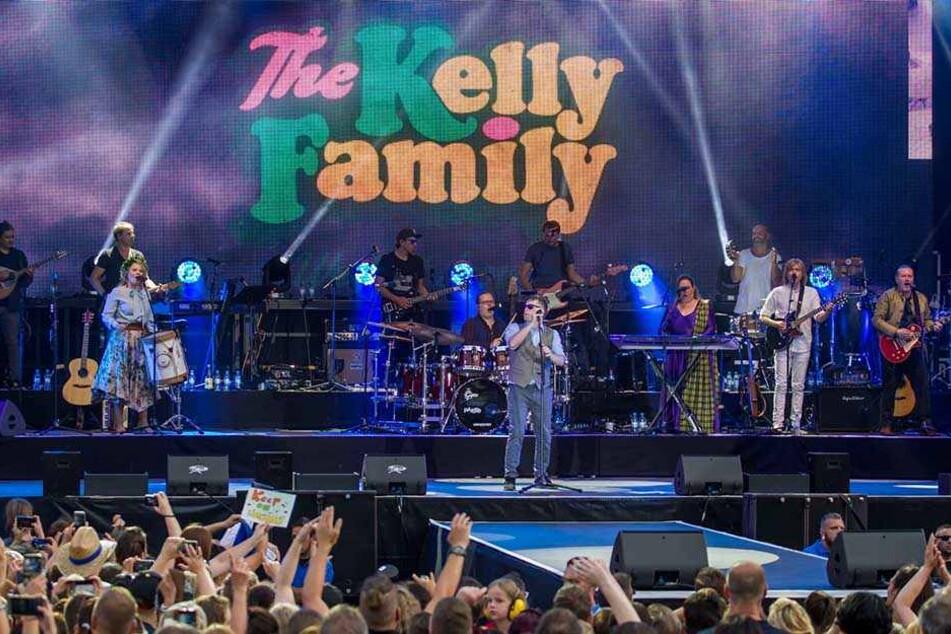 Mit 12.000 Fans ausverkauft: Die Kellys rockten auf der Filmnächte-Bühne.
