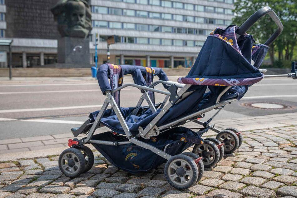 Mysteriös: Leerer Zwillings-Kinderwagen mitten in Chemnitz gefunden