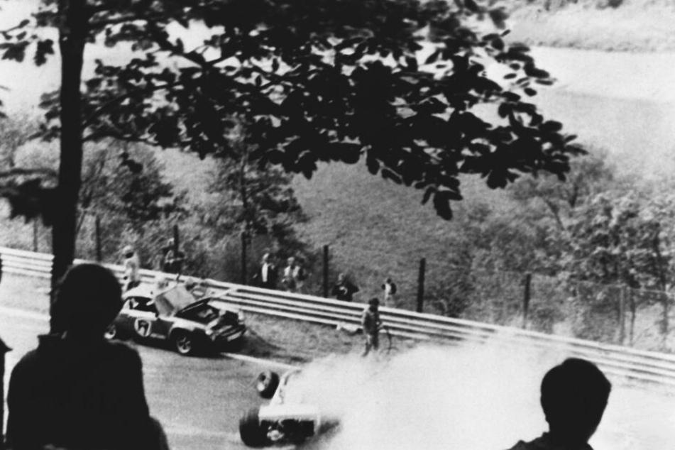 Lauda verunglückte 1976 am Nürburgring schwer.