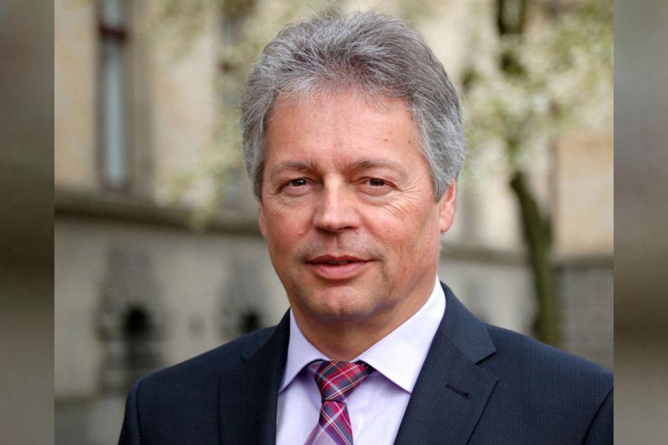 Polizeipräsident Bernhard Witthaut weiß genau, wofür die Behörde das Geld gebrauchen kann.