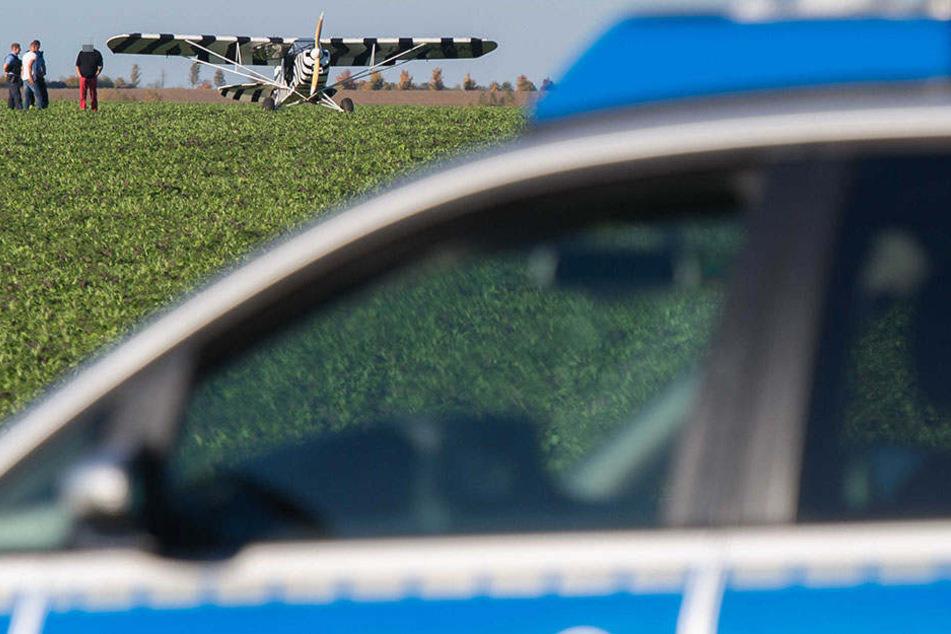 Der Flieger landete sicher auf einem Feld zwischen der A71 und Gottstedt.
