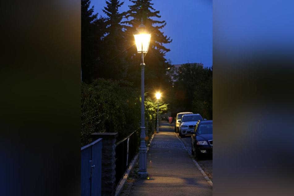 Die junge Dresdnerin wurde nachts vor ihrer Haustür unsittlich berührt. (Symbolbild)