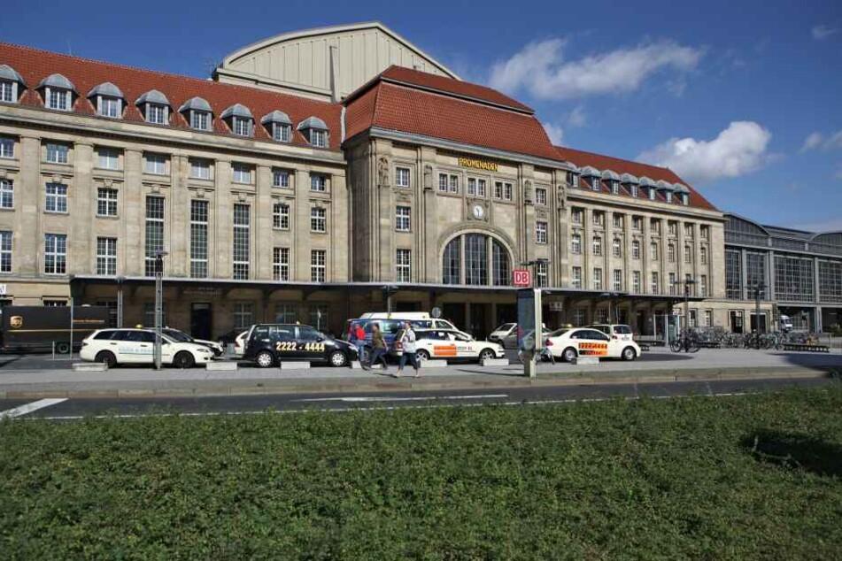 In Leipzig ist ein paar beim wilden Liebesspiel in der Öffentlichkeit erwischt worden.