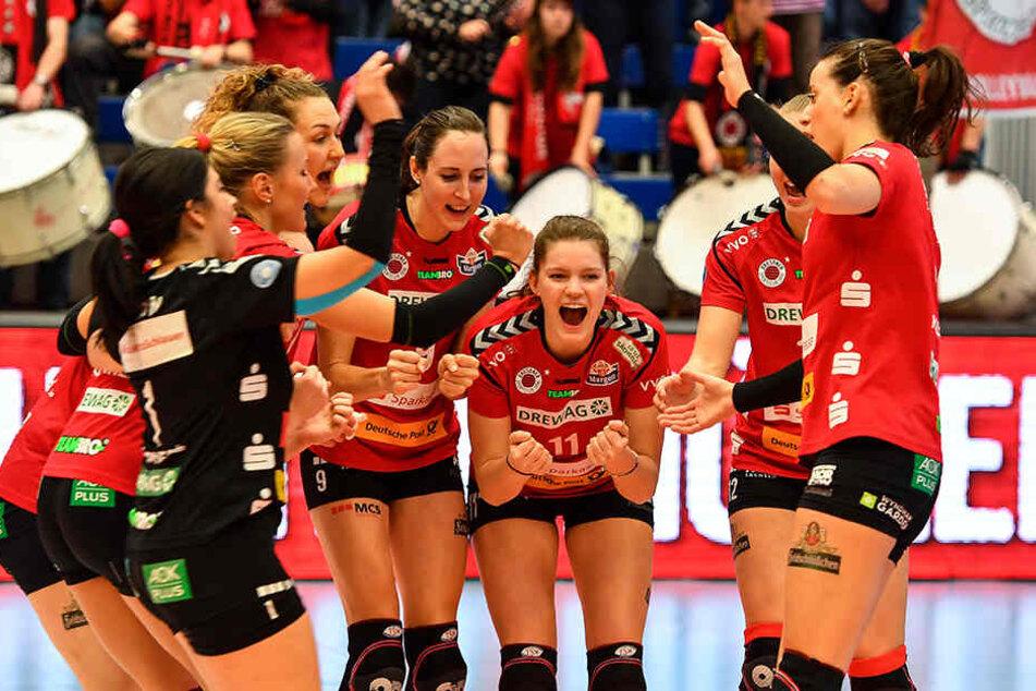 Jubel der DSC-Damen: Gegen VfB Suhl Lotto Thüringen konnten die Dresdnerinnen gewinnen.