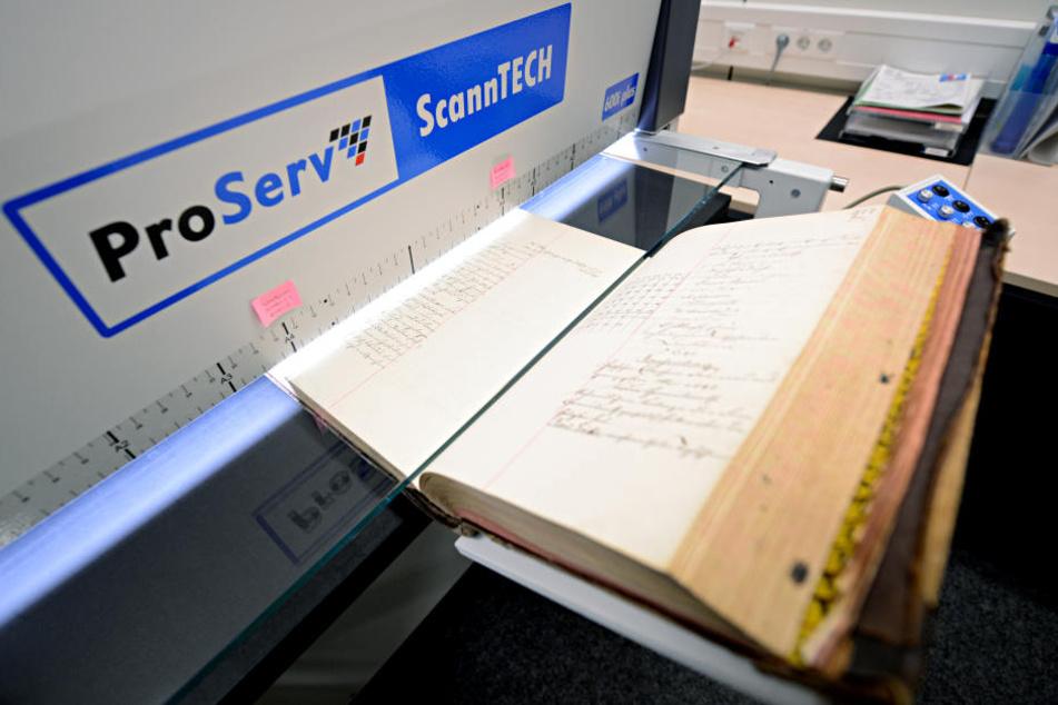 Nachdem bereits seit 1995 die Grundbücher im Freistaat elektronisch geführt werden, wurde auch in Chemnitz die elektronische Grundakte eingeführt.