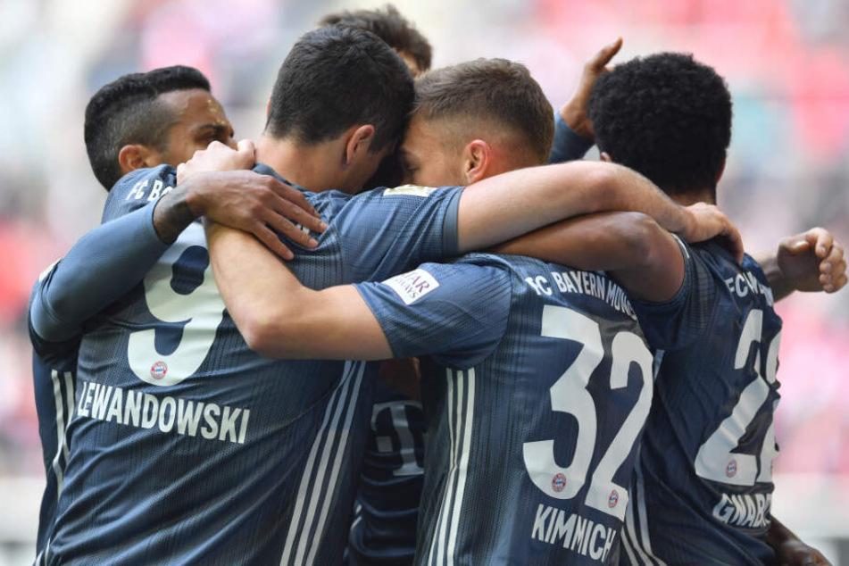 Der FC Bayern München hat die Tabellenführung der Bundesliga zurückerobert.