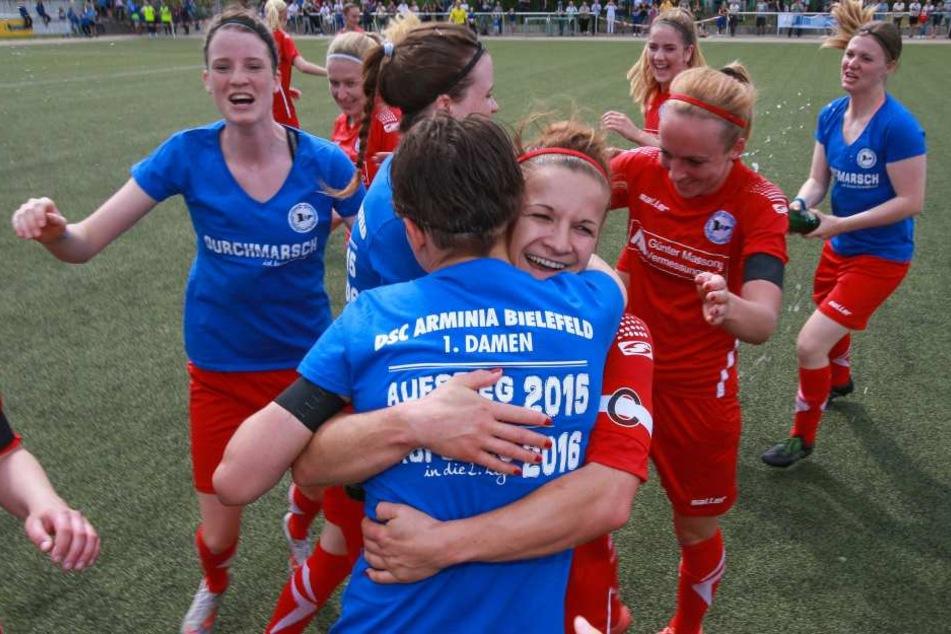 Noch einmal so jubeln! Im Mai konnten sich die Frauen über den Aufstieg in die zweite Bundesliga freuen.