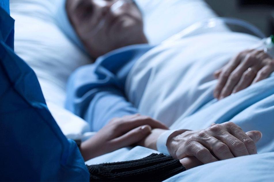 Pflegepersonal unter Schock: Frau, die seit 14 Jahren im Koma liegt, bringt plötzlich Baby zur Welt