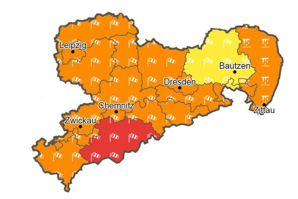 Wetterdienst warnt vor Orkanböen am Abend in ganz NRW