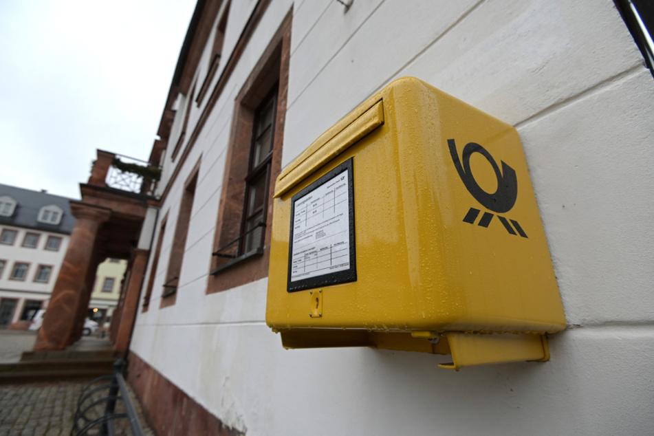 Im Raum Mittweida und Rochlitz machten sich die Angeklagten an Postbriefkästen zu schaffen.
