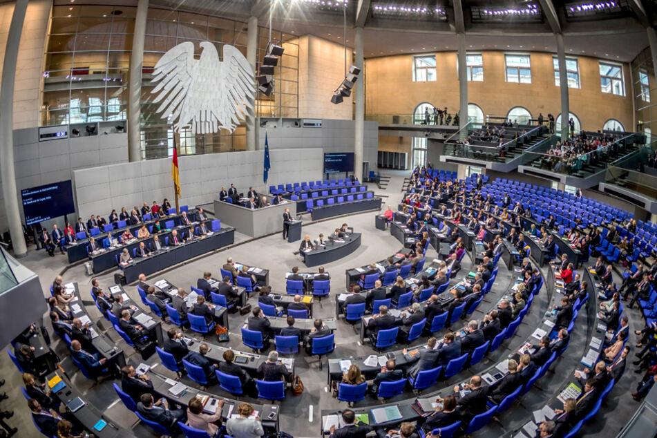 Der Bundestag könnte ohne Reform auf bis zu 800 Abgeordnete anwachsen. (Archiv)