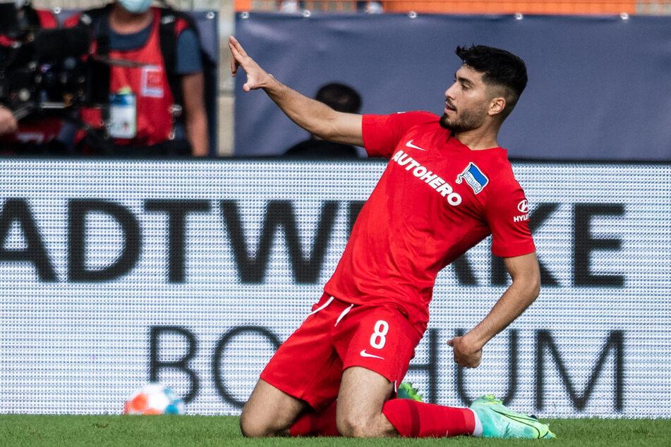 Suat Serdar (24) jubelt über seinen Treffer zum 1:0 in Bochum. Wenig später ließ er noch ein zweites Tor folgen.