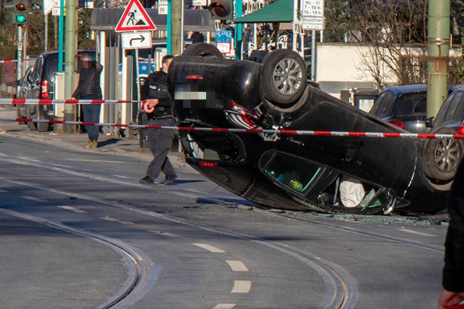 Am Samstagnachmittag kollidierte ein Auto nahe des Frankfurter Südbahnhofes mit zwei Fußgängern, die kurze Zeit später infolge ihrer Verletzungen starben.