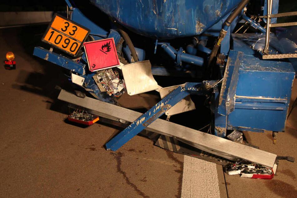 Lkw-Fahrer greift zu Trinkflasche, dann passiert das Unglück