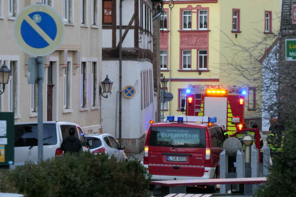 Haus unter Wasser: Die Feuerwehr wurde am Sonntagnachmittag nach Colditz gerufen, weil Wasser aus den Fenstern im zweiten Stock lief.