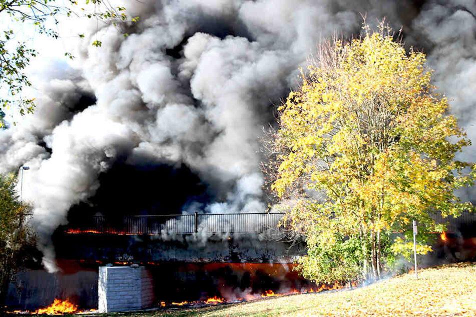 Chemnitz: Jetzt weiß die Polizei, warum die Brücke in Flöha brannte