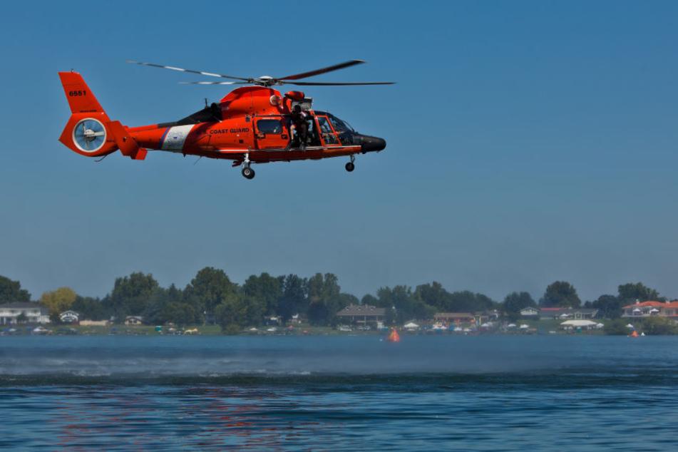 Der Hubschrauber konnte den Schwimmer nur noch leblos bergen. (Symbolbild)