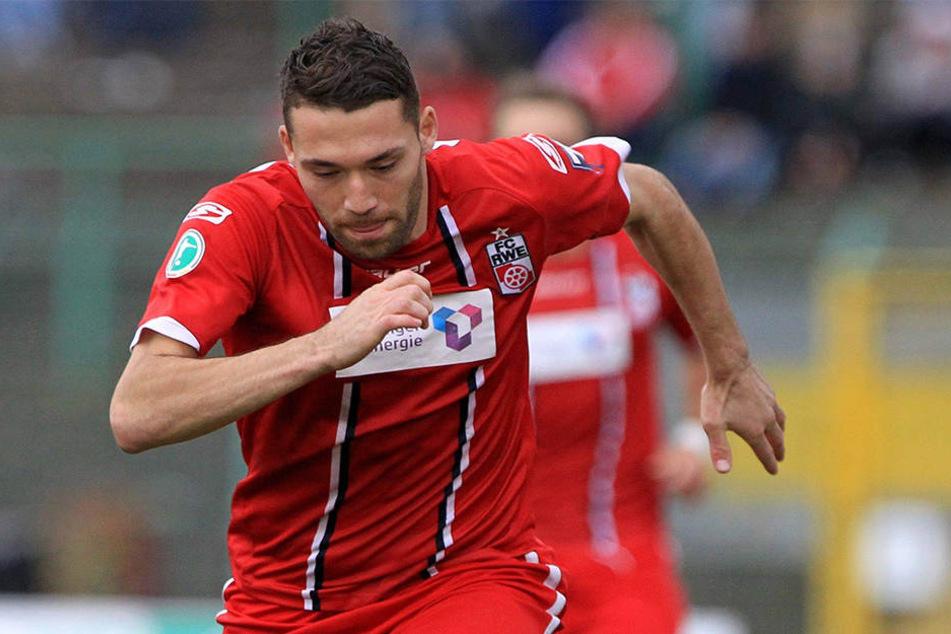 Von Juli 2012 bis Februar 2014 spielte Aykut Öztürk selbst für Erfurt. In 48 Spielen gelangen ihm zehn Treffer.