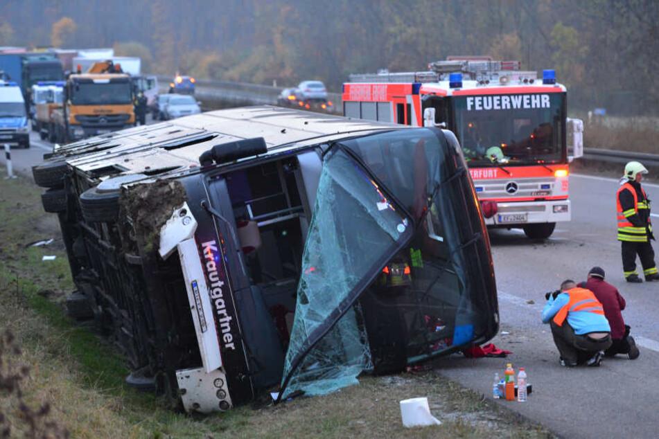 Der Bus war Ende Oktober 2015 auf der Rückreise von England verunglückt.