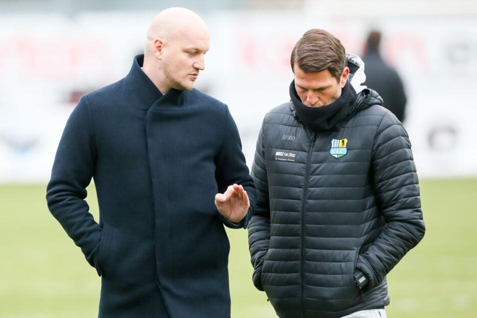 Dürfen Sportdirektor Armin Causevic (l.) und Trainer Patrick Glöckner noch neue Spieler holen?
